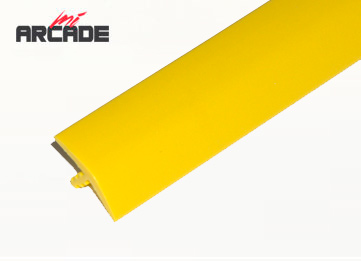 T-molding para cantos de recreativa en color  amarillo 1 metro